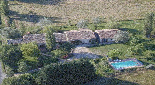 Gite 37 personnes Nojals Et Clottes - location vacances  n°24216