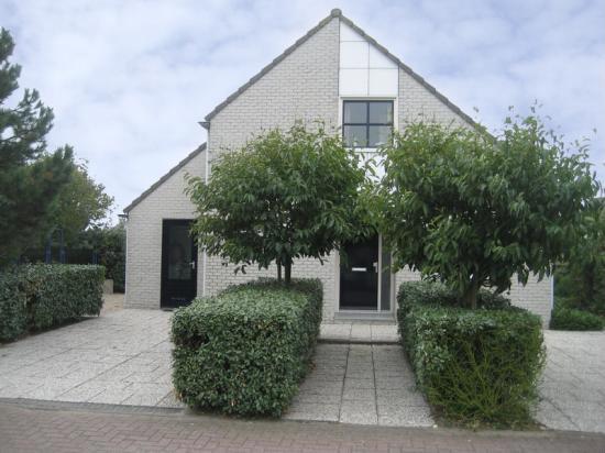 Huis Julianadorp - 8 personen - Vakantiewoning  no 24234
