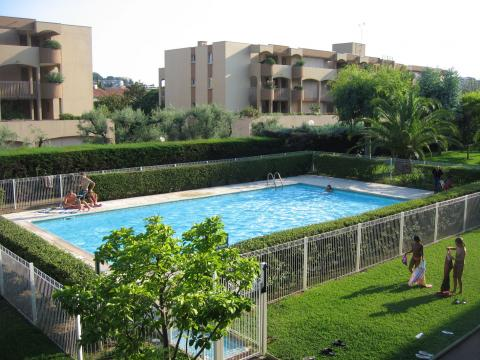Flat in Antibes - Vacation, holiday rental ad # 24391 Picture #3