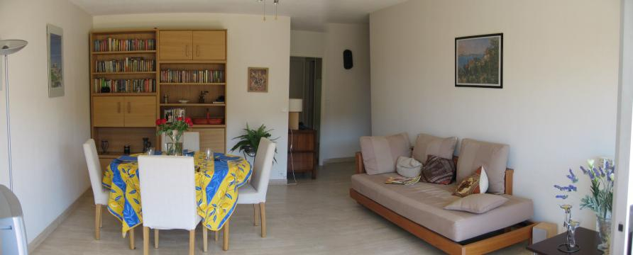 Flat in Antibes - Vacation, holiday rental ad # 24391 Picture #0