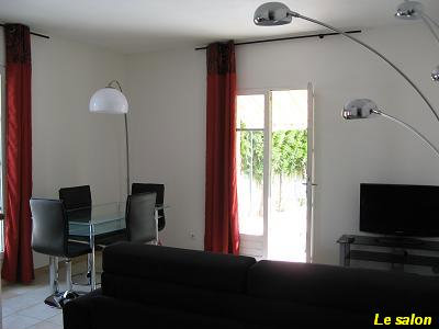 Flat in Uzès - Vacation, holiday rental ad # 24525 Picture #2