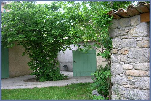 Gite Chateauneuf De Chabre - 6 personnes - location vacances  n°24699
