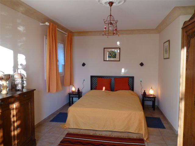 Bed and Breakfast 10 people Chateauneuf Grasse - holiday home  #24751