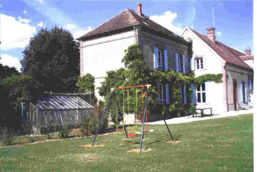 Boerderij in La chapelle fortin voor  8 •   privé parkeerplek