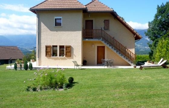 Flat in Lavars - Vacation, holiday rental ad # 24856 Picture #1
