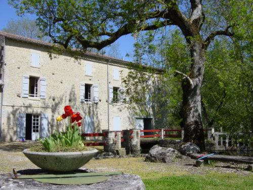 Huis Dampierre Sur Boutonne - 8 personen - Vakantiewoning  no 24965