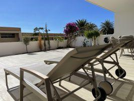 Apartamento en Adeje para  8 •   con piscina privada