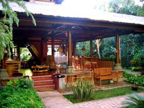 in Wantilan voor  7 •   met privé zwembad