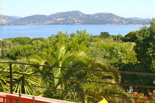 Flat in Hyères-Giens - Vacation, holiday rental ad # 26042 Picture #2