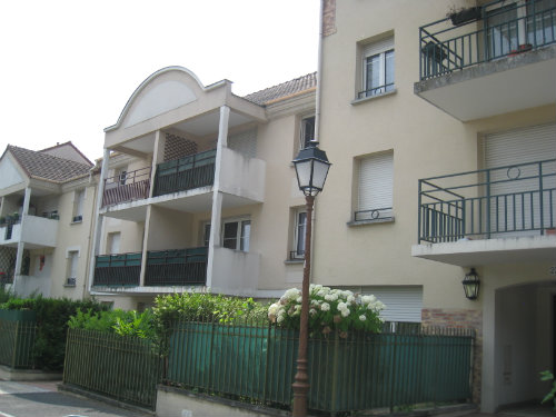 appartement saint brice sous for t louer pour 8 personnes location n 26102. Black Bedroom Furniture Sets. Home Design Ideas