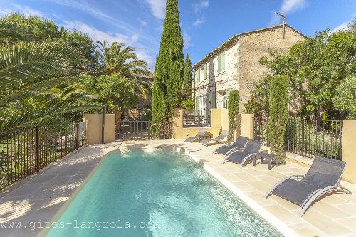 Huis in Sérignan voor  7 •   4 sterren