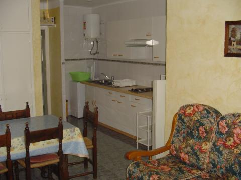 Flat in L'escala for rent for  4 people - rental ad #26192