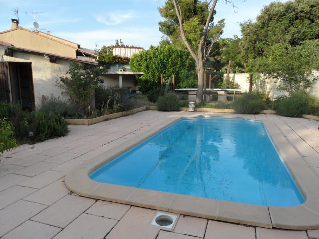Huis Gignac La Nerthe - 9 personen - Vakantiewoning  no 26562