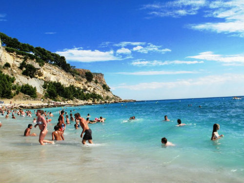Flat in Cassis - Vacation, holiday rental ad # 26581 Picture #1