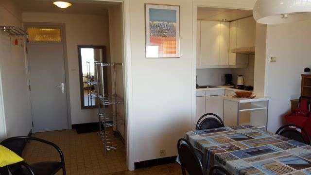Flat in De Panne - Vacation, holiday rental ad # 26820 Picture #1