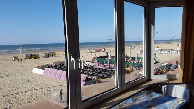 Flat in De panne for   8 •   3 bedrooms