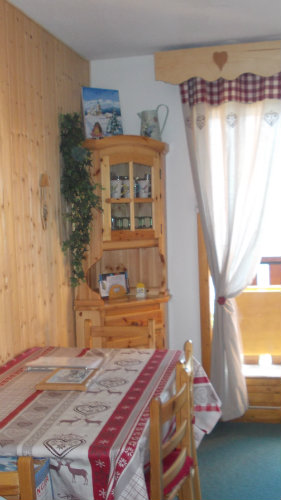 appartement la rosiere de montvalezan louer pour 6. Black Bedroom Furniture Sets. Home Design Ideas