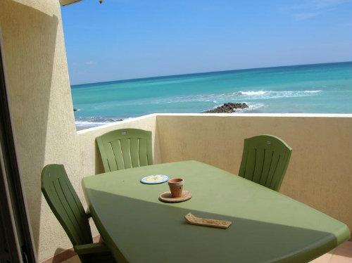 appartement frontignan plage louer pour 5 personnes location n 26952. Black Bedroom Furniture Sets. Home Design Ideas
