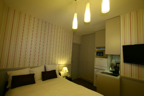 Studio in Paris - Vacation, holiday rental ad # 27015 Picture #0