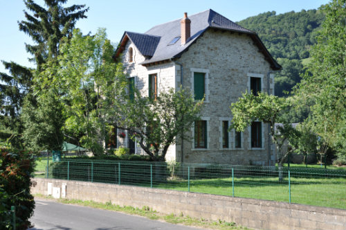 House in Sainte eulalie d'olt for   14 •   private parking