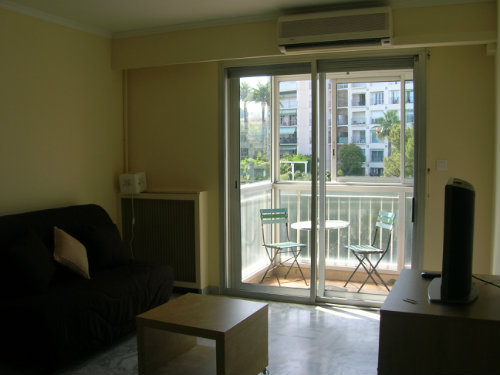 studio nice louer pour 3 personnes location n 27990. Black Bedroom Furniture Sets. Home Design Ideas