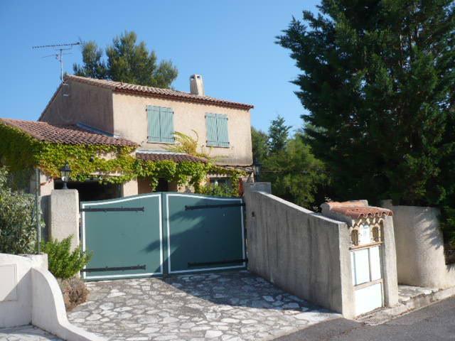 Maison à Roquebrune sur argens pour  7 •   3 chambres