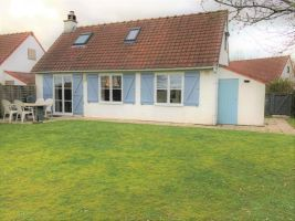 House in De panne for   6 •   private parking