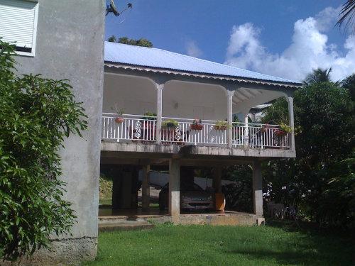 Maison à Gosier pour  10 •   4 chambres