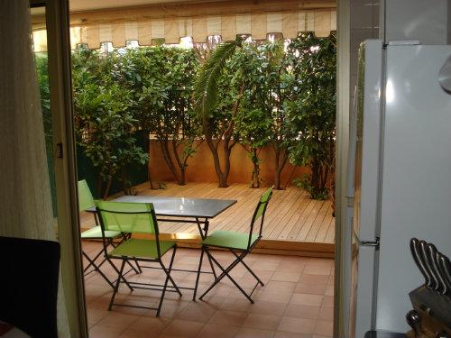 studio saint laurent du var louer pour 3 personnes location n 30395. Black Bedroom Furniture Sets. Home Design Ideas