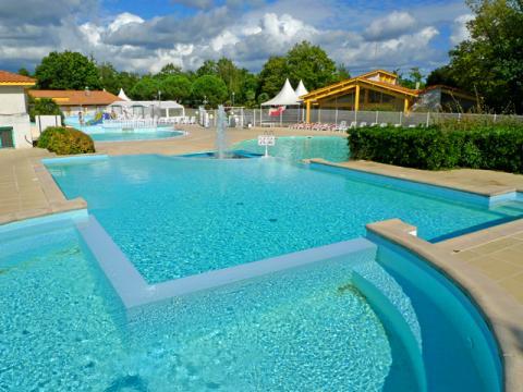 Chalet à Sanguinet pour  6 •   avec piscine partagée