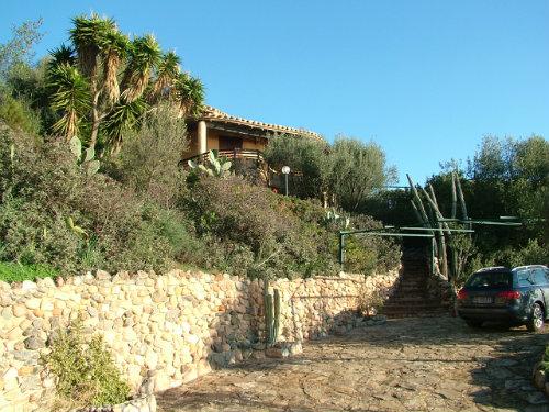 Maison à Torre delle stelle pour  10 •   parking privé
