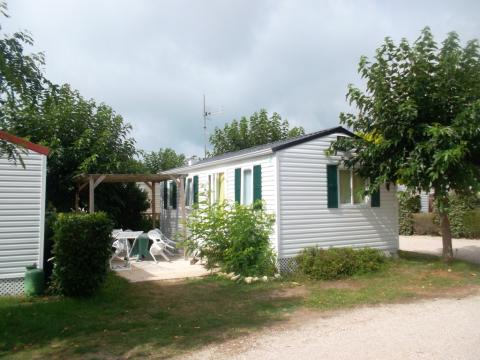 Mobil-home à La cotiniere pour  4 •   parking privé   n°31440