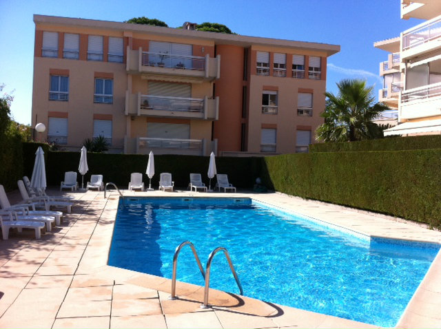 Flat in Cannes - Vacation, holiday rental ad # 31480 Picture #2