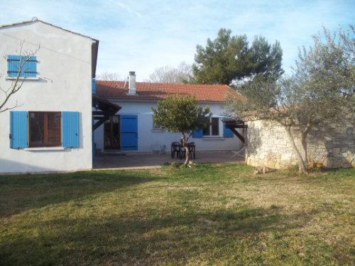 Huis Lunel - 5 personen - Vakantiewoning  no 31640