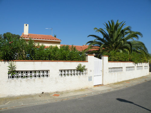 House in Saint-Cyprien Plage - Vacation, holiday rental ad # 31687 Picture #2