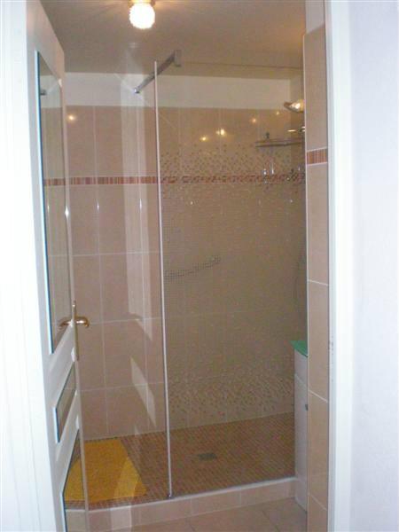 appartement fr jus plage louer pour 4 personnes location n 31751. Black Bedroom Furniture Sets. Home Design Ideas