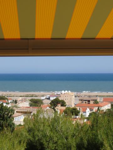 House in St pierre la mer for   6 •   view on sea