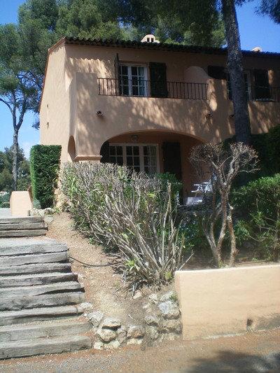 Maison Cavalaire Sur Mer - 8 personnes - location vacances  n°32260