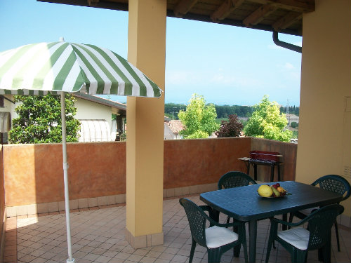 House in Peschiera del garda for   4 •   private parking   #32456