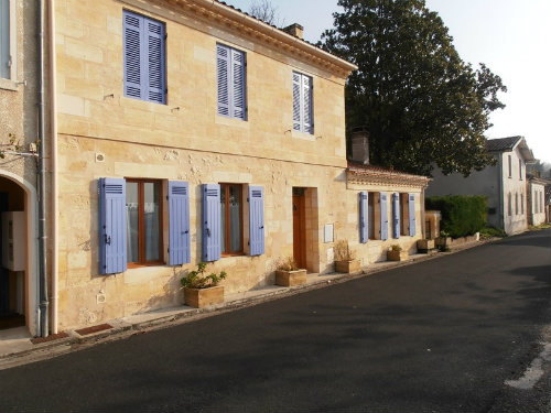 Gite in Bayon sur gironde for   4 •   private parking