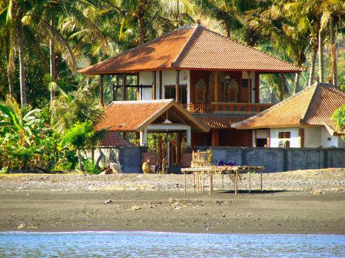 Huis in Amed voor  8 •   uitzicht op zee   no 32541