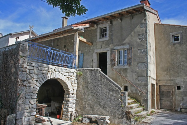 Gite 5 personnes Saint Salvy De La Balme - location vacances  n°32614