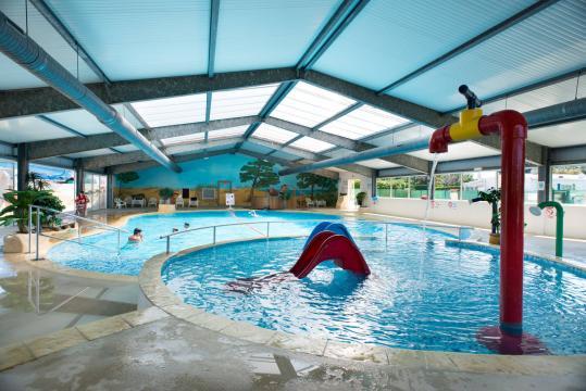 Mobil home aux mathes la palmyre louer pour 4 for Centre de vacances avec piscine couverte
