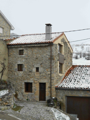 Casa de montaña en Sotres para  4 •   2 dormitorios  n°33238
