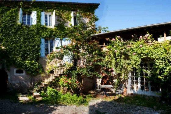 Chambre d'hôtes à Saint julia pour  5 •   jardin