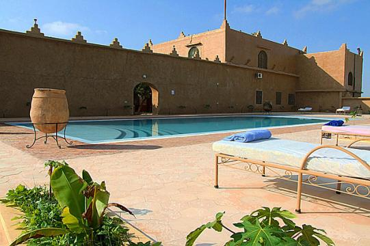 Bungalow in Taroudant for   6 •   private parking