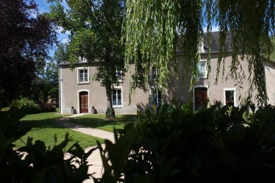 Bed and Breakfast in Vouneuil sur vienne for   4 •   private parking   #34367
