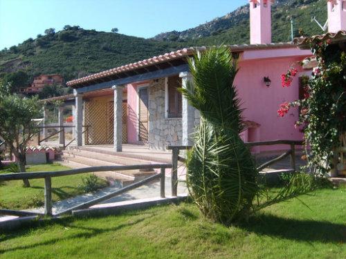 Maison à Cagliari pour  12 •   animaux acceptés (chien, chat...)