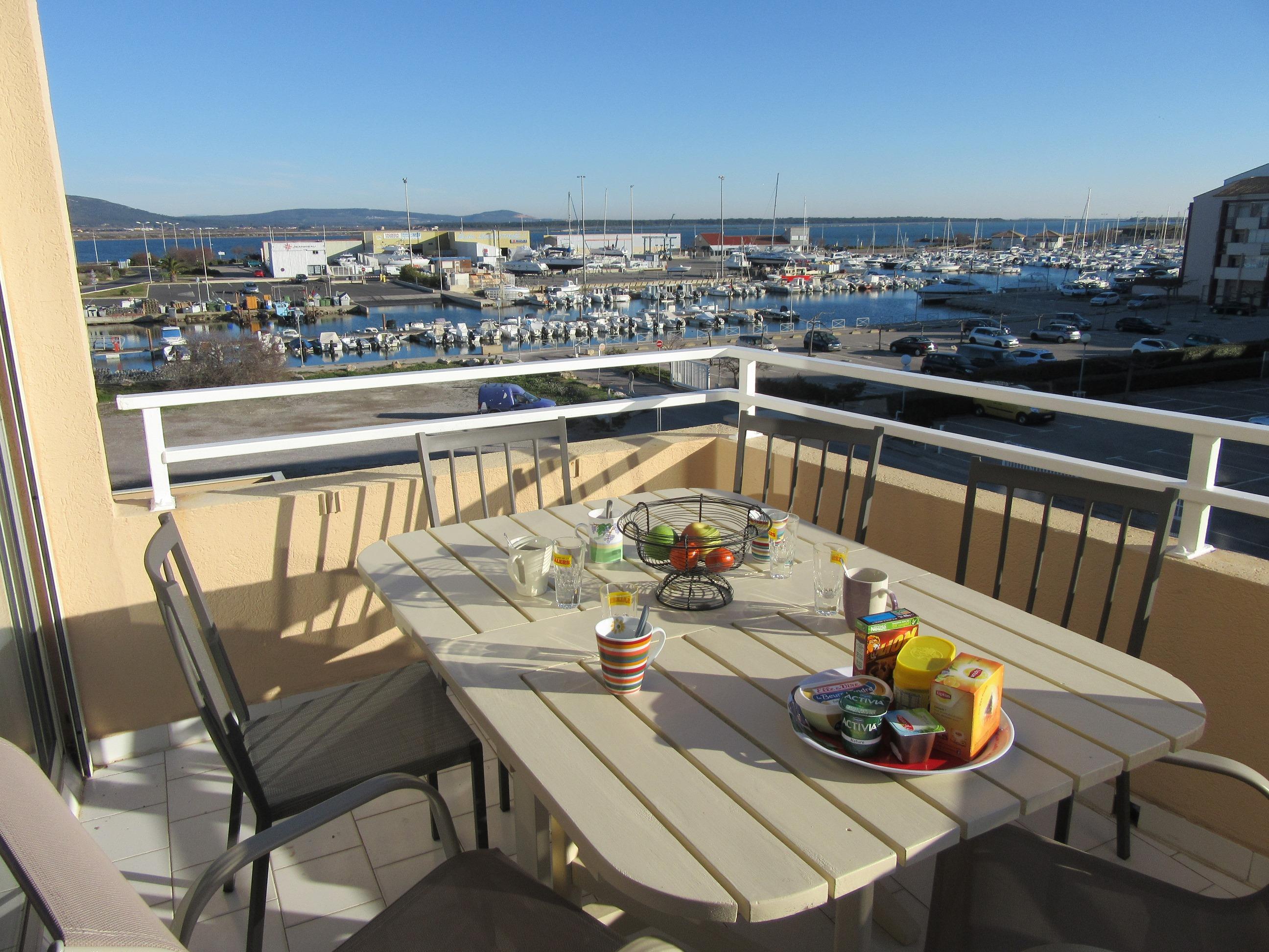 appartement frontignan plage louer pour 8 personnes location n 34359. Black Bedroom Furniture Sets. Home Design Ideas