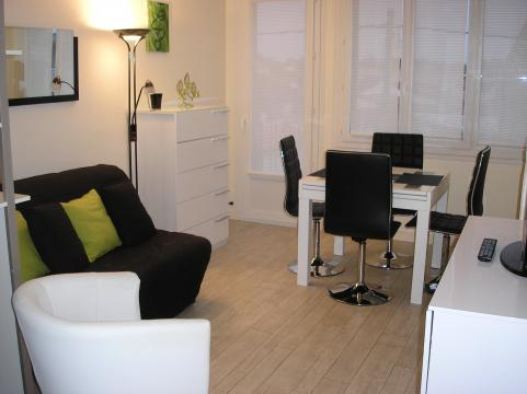 Flat in La rochelle - Vacation, holiday rental ad # 35014 Picture #0